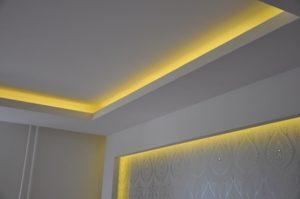 Освещение потолка светодиодами - это можно сделать и своими руками